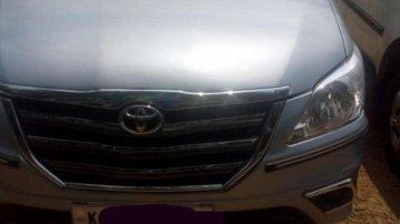 Used Toyota Innova 2009 car at low price