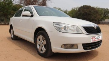 Used Skoda Laura car at low price