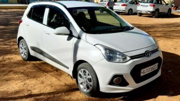 Used Hyunddai Grand i10 car 2015 for sale at low price