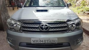 Used Toyota Fortuner 4x4 MT 2011 for sale