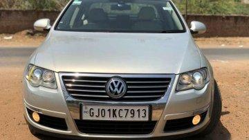 Used Volkswagen Passat car at low price