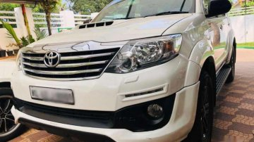 Used Toyota Fortuner 4x2 AT for sale