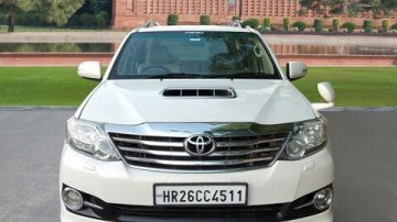 2013 Toyota Fortuner 4x2 AT for sale at low price