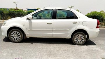 Used Toyota Platinum Etios MT car at low price