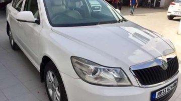 Used Skoda Laura car Ambiente MT at low price