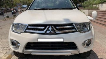 Used Mitsubishi Pajero Sport Sport 4X2 AT car at low price