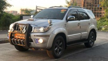 Used Toyota Fortuner 4x4 MT car at low price
