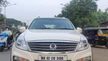 Used Mahindra Ssangyong Rexton AT car at low price