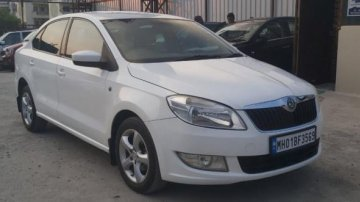 Used Skoda Rapid 1.6 MPI Elegance MT in Pune car at low price