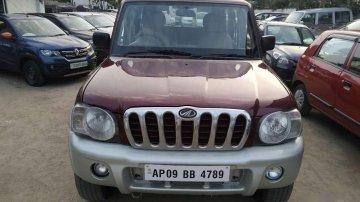 2005 Mahindra Scorpio SLX 2.6 Turbo 7 Str MT for sale at low price in Hyderabad