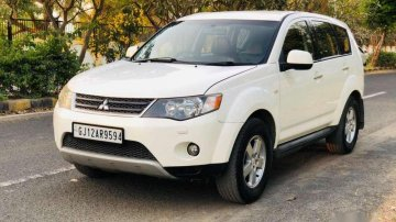 Used 2009 Mitsubishi Outlander 2.4 AT for sale in Ahmedabad