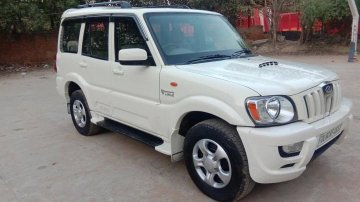 Used Mahindra Scorpio SLE BSIV 2014 MT in New Delhi