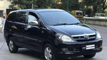 Used Toyota Innova 2.5 V 7 STR, 2006, Diesel MT for sale in Thane