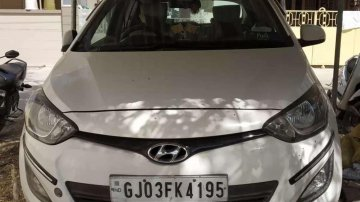 Hyundai i20 Asta 2014 MT for sale in Vadodara