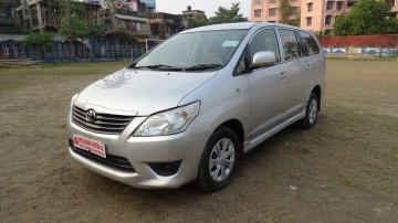 Toyota Innova 2.5 GX (Diesel) 8 Seater BS IV 2012 MT in Kolkata