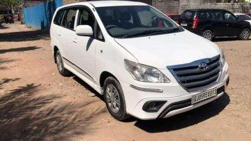 Toyota Innova 2012 MT for sale in Surat