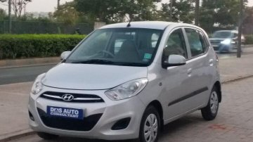 Hyundai i10 Magna 1.2 2011 MT for sale in Ahmedabad