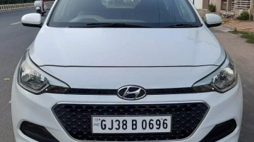Hyundai Elite i20 1.2 Magna Executive 2017 MT in Ahmedabad